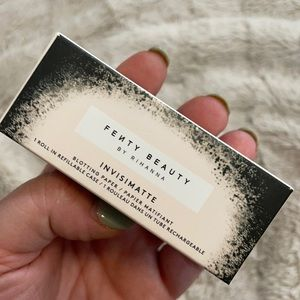 Fenty Beauty Invisimatte Blotting Paper